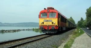 vonat balaton