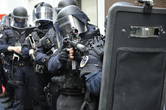 tuszdrama francia rendorok