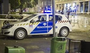 rendőrök-huligánaok