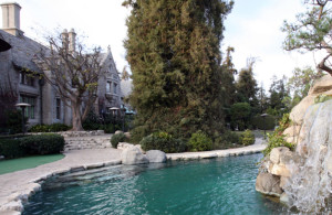 (FILES) A view of the Playboy Mansion in this January 11, 2007, file photo in Beverly Hills. The Playboy Mansion is up for sale for $200 million, US media said on January 9, 2016. Home of Playboy magazine founder Hugh Hefner, 89, the notorious building will be listed within the next month, celebrity website TMZ reported. Playboy Enterprises is seeking upwards of $200 million, but TMZ, citing real-estate sources in the area of Holmby Hills -- close to Beverly Hills -- said the mansion is more likely to go for between $80 million and $90 million. Prospective buyers can tour the sprawling property, but one area is off-limits -- Hefner's bedroom, TMZ said. It also said that any sale comes with a major catch -- whoever buys it must give Hefner a life estate, meaning he can continue to live in the mansion until he dies.  AFP PHOTO/GABRIEL BOUYS/FILES / AFP / GABRIEL BOUYS