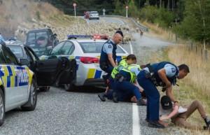 új zéland rendőrségi elfogás