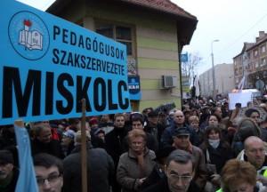 miskolc pedagógius tüntetés