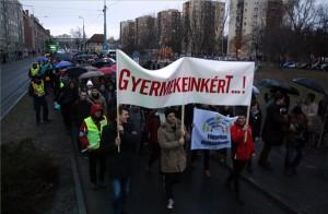 tüntetés pedagógus-vajda