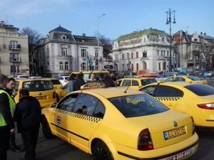 taxisok tüntetnek hősök tere