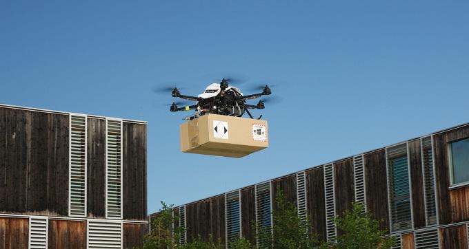drón csomagszállító