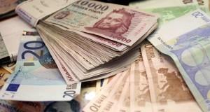 OTP Bank bankfiók pénz forint euró euro bankjegy deviza megtakarítás 201008005 Fotó: Kummer János / Napi Gazdaság