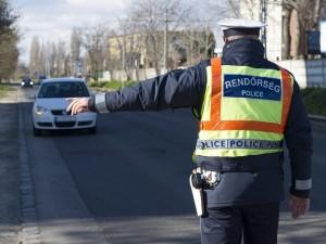 rendőr - 3