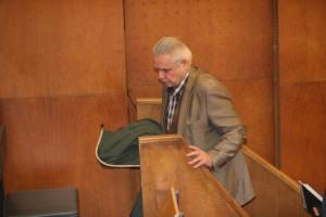 oszter bíróságon