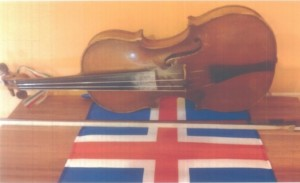 ellopott hegedűs