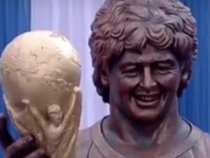 maradona szobor