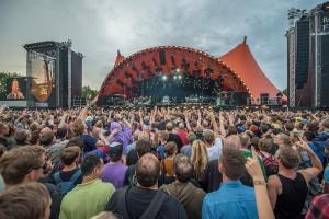 1200px-Roskilde_Festival_-_Orange_Stage_-_Bruce_Springsteen