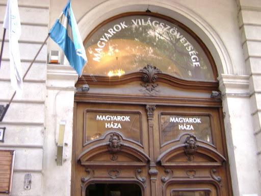 Egy fura dunaújvárosi tárgyalás margójára, perel az illegitim MVSZ vezetése
